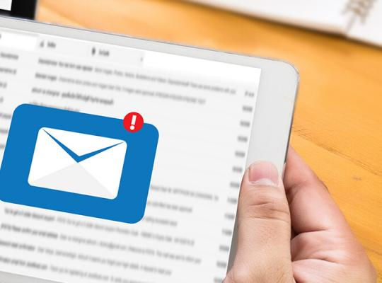 4 Holiday Marketing Prep: 4 Tips for Email And Social Media